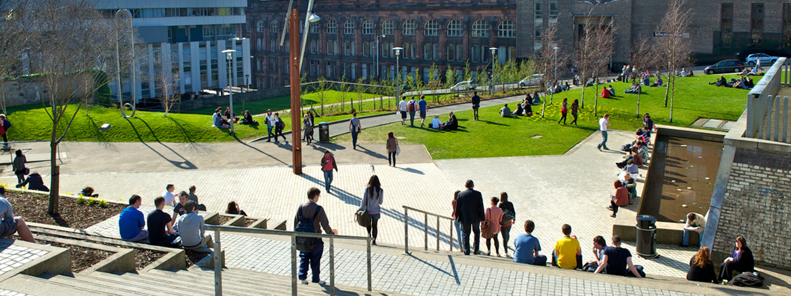 Rottenrow Gardens, University of Strathclyde, in the sunshine