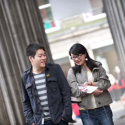 Two students in Glasgow city centre