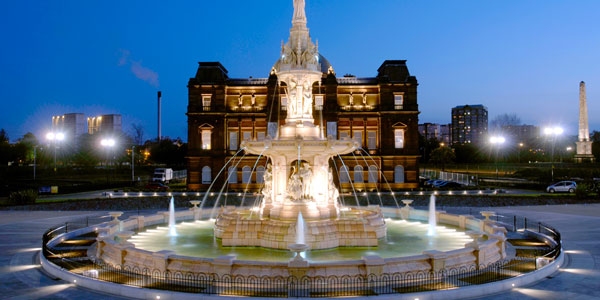 the fountain and the People's Palace in Glasgow Green - a large fountain in front of a beautiful building