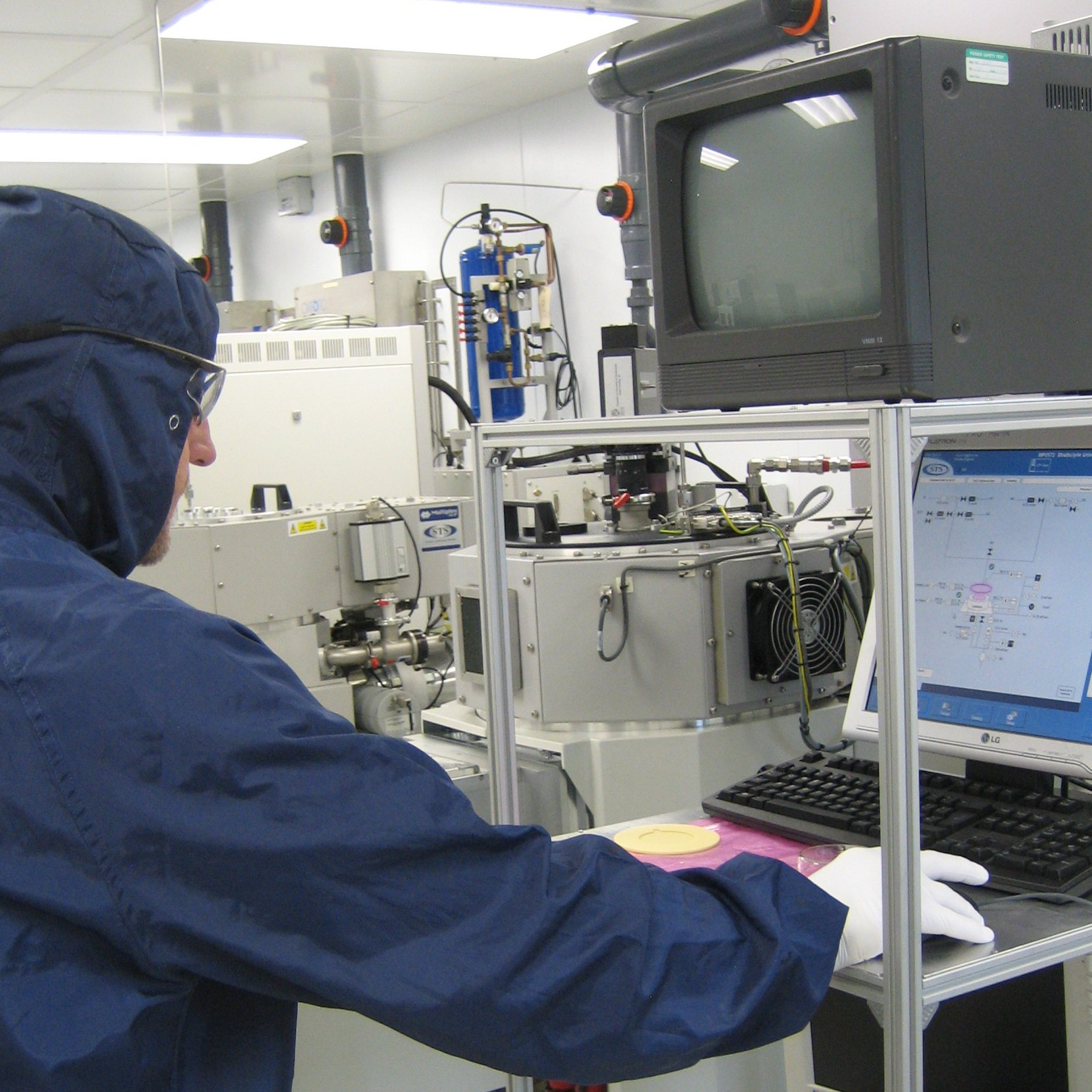ICP etch tool in TIC cleanroom