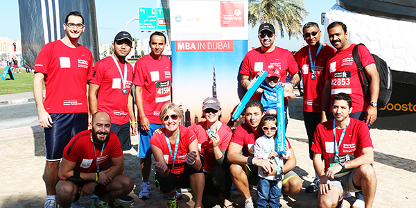 Alumni group at Dubai marathon