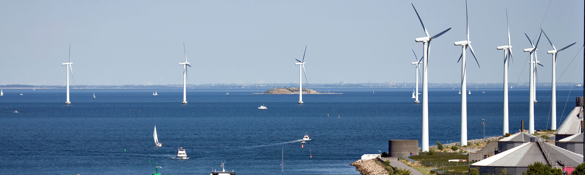 Onshore and offshore wind turbines2000x600