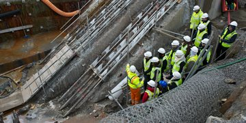 civil engineering students on site