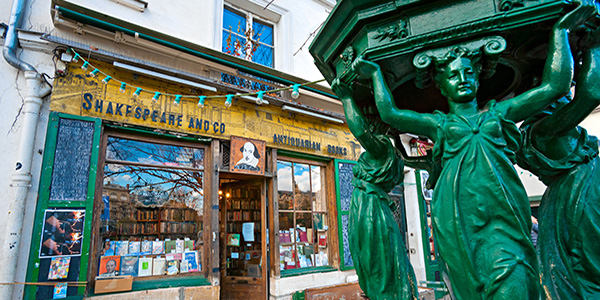 Shakespeare and co bookstore, Paris